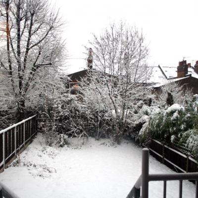 Back garden - Oakfield Rd - heavysnowfall - lr